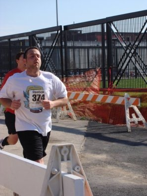 DH finishing the 10 miler. What a stud!