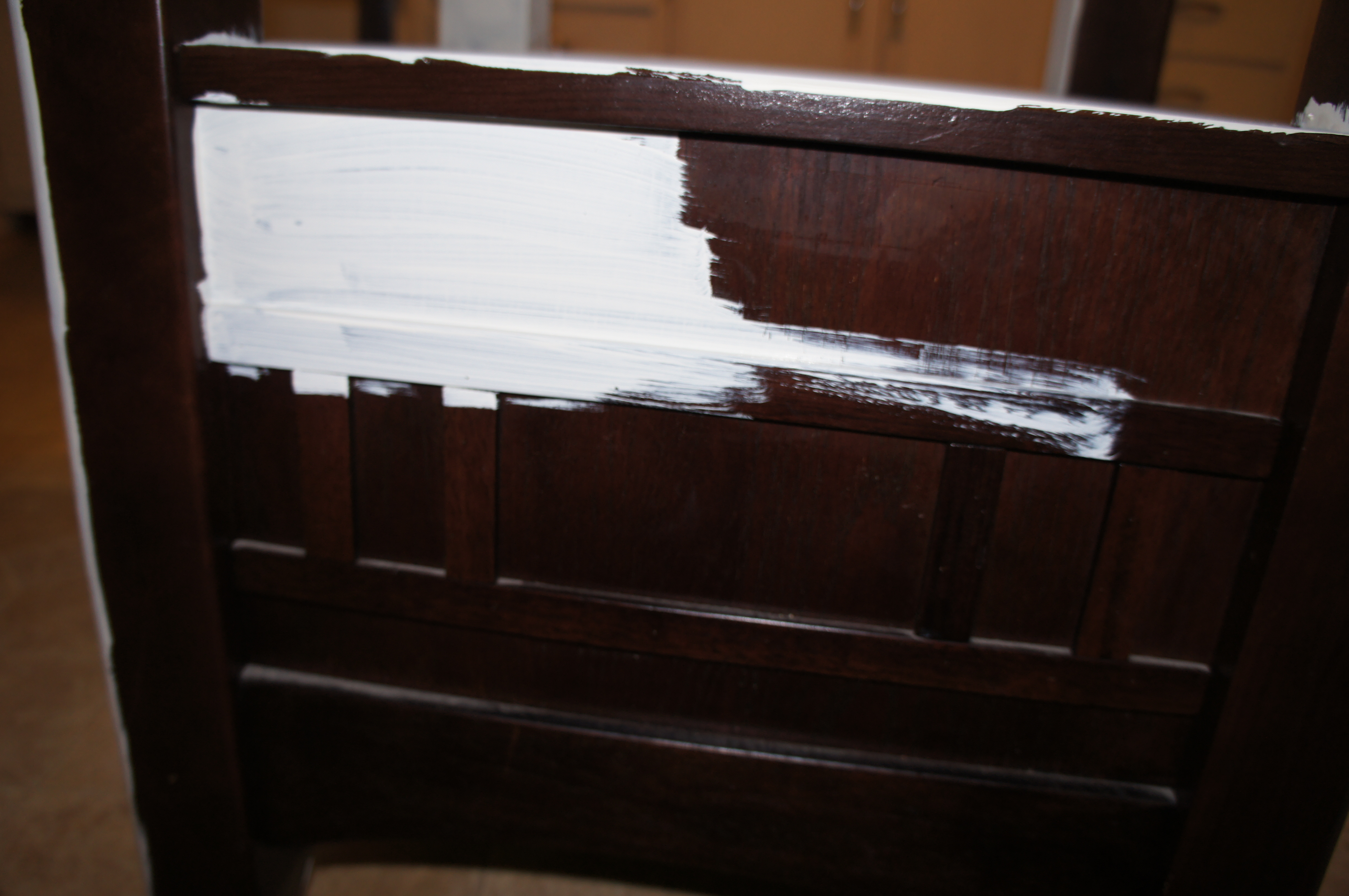 i added about the same small amount of water in the old white as i did in the graphite  the chalk paint requires a minimum of two coats  annie sloan chalk paint kitchen table tutorial   for the love of      rh   fortheloveofwineandcoffee com